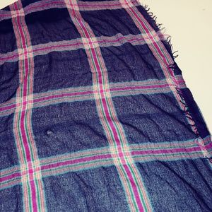 Rue21 Accessories - 🍰 Flannel scarf black & pink plaid